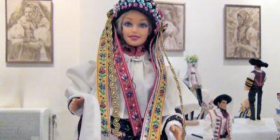 Krojované miniatúry, výstava Barbie bábik v slovenských ľudových krojoch